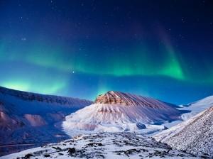 aurora-borealis-svalbard_max_edin